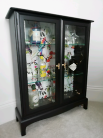 New Stag Minstrel glass display gin cabinet - black, gold