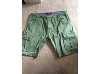 Men's shorts duck and cover w36