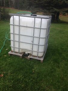 Square water tank