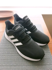 Mens Adidas Trainers. Size 8.5.
