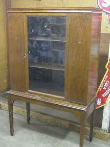 CIRCA 1930s SOLID WALNUT TWO TIER CHINA CABINET $150.00