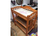 Mamas papas changing table