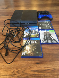 Sony Playstation 4 + Accessories