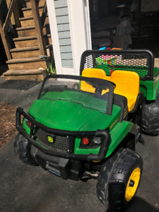 John Deere Kids Ride on - 2 person