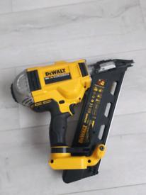 DeWalt DCN690 18V XR Brushless Framing Nailer 50- 90MM 1st Fi
