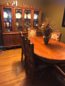 dining room table/china cabinet and hutch