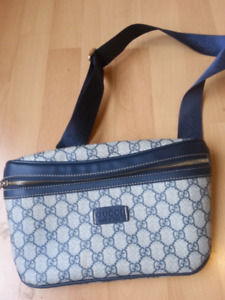 Sac et portefeuille GUCCI neuf 70$