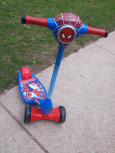 Spider Man Tri-Scooter