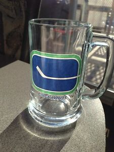 Vintage NHL Vancouver Canucks glass