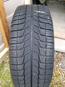 R16 winter tires with black rims for Honda civic
