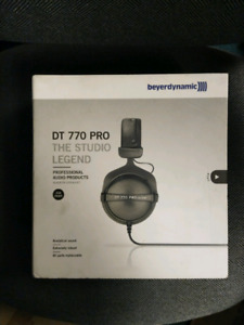 NEW Beyerdynamic DT 770 PRO 250 ohm studio headphones