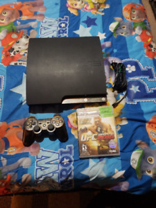 160 GIG PLAYSTATION 3 SLIM INCLUDES WIRELESS CONTROLLER AND UFC