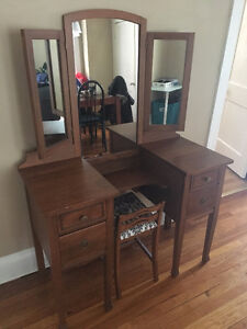 GORGEOUS ANTIQUE WOOD VANITY WITH CHAIR