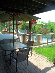 REDUCED- Holiday Guest-suite on farm, pool & hot tub