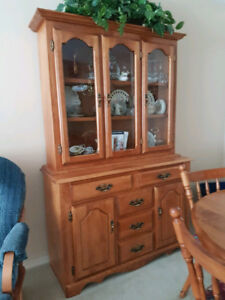 ANTIQUE MAPLE BUFFET AND HUTCH CHINA CABINET