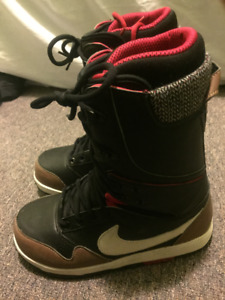 Nike DK SIze 8 Mens Boots (need gone asap)