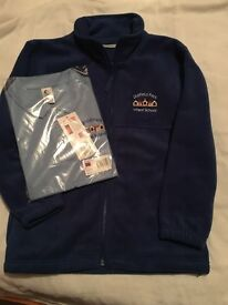 OLDFIELD PARK INFANTS BRAND NEW POLO SHIRT AND FLEECE AGE 7-8