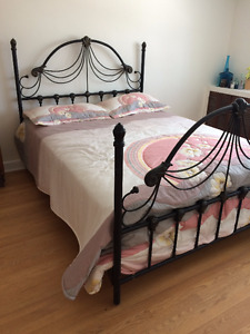 BLOWOUT !! Queen Bed - Complete!!! NO DELIVERY