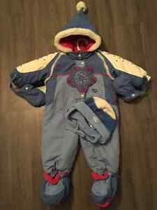 Baby / toddler girl snow suits / winter suits / warm outerwear Gatineau Ottawa / Gatineau Area image 1
