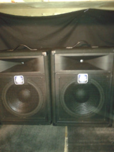 pa system 12 inch speakers Yorkville powered mixer