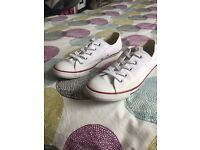 Dainty Converse size 5.5