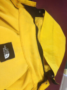 Mens north face goretex jacket small