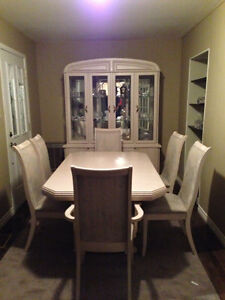 DININGROOM TABLE CHAIRS AND GLASS HUTCH