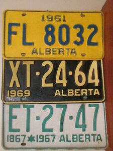 Various Antique & Vintage ALBERTA license plates.  Singles only*