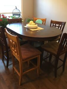Large bar height kitchen table with 4 + 2 chairs 300$  SOLD PPU