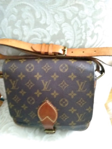 AUTHENTIC   LUIS  VUITTON CARTUSHIER  GM  MESSANGER CROSS BODY