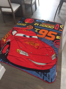 Disney CARS throw Excellent condition