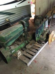 1956 420u parts tractor Belleville Belleville Area image 1