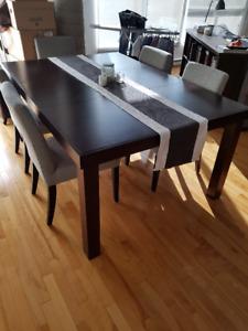 TABLE de CUISINE avec extension en bois - 450$ (valeur $1600)