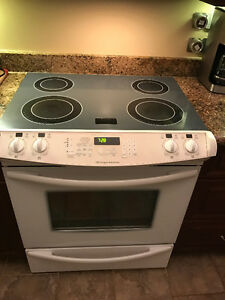 Fridgidaire Gallery Slide-in Convection Stove