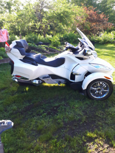 For sale 2012canam spyder.rt.limite real good shape