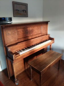 Upright Piano for free