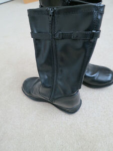 Girls fashion boots size 3W Kitchener / Waterloo Kitchener Area image 4