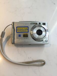 Sony Cybershot with TV setup and picture printer