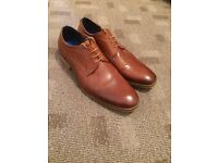 Smart Shoes Lace Up Size 8