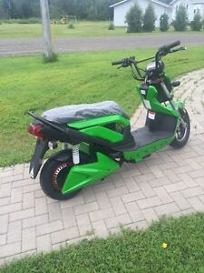 2016 newest model fast and smooth 72 volt Ebike Scooter
