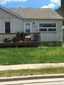 Small 2 bedroom house available in New Sudbury
