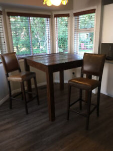 Table and chairs!  Reclaimed lumber!!!