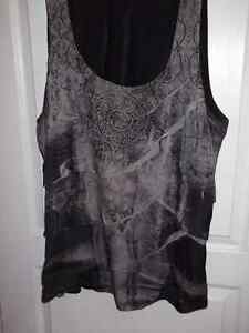 Beautiful top plus size gray and black size 3X (size24) Gatineau Ottawa / Gatineau Area image 1