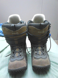Division 23 Snowboard boots size 10