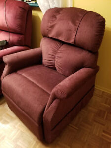 Beautiful, Infinity Setting Lift Chair for Sale!