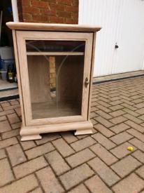 Limed oak hi-fi/storage cabinet - great condition