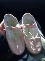 Toddler dance / ballet shoes, size 9.5