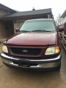 1998 Ford F-150 - Great Condition - Low KM