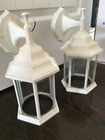 Outdoor lights - white