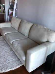 Selling couch from Structube
